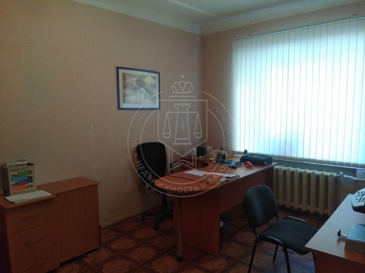 Продажа 3-к квартиры Академика Кирпичникова ул, 25