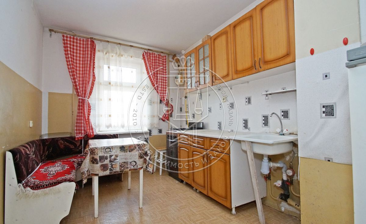 Продажа 3-к квартиры Челюскина ул, 35