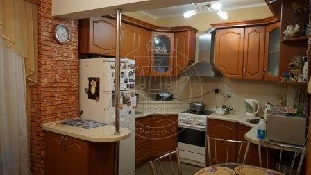 Продажа 2-к квартиры Юлиуса Фучика ул, 151, 84 м² (миниатюра №2)