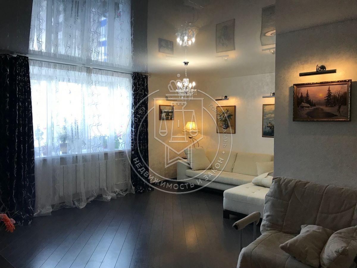 Продажа 2-к квартиры Адоратского ул, 3А