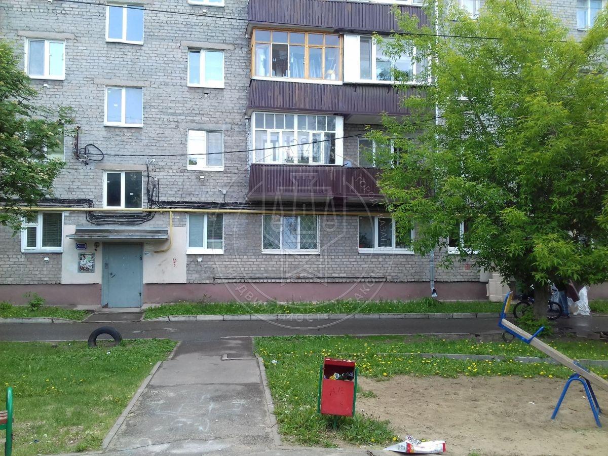 Продажа 3-к квартиры Светлая ул, 18