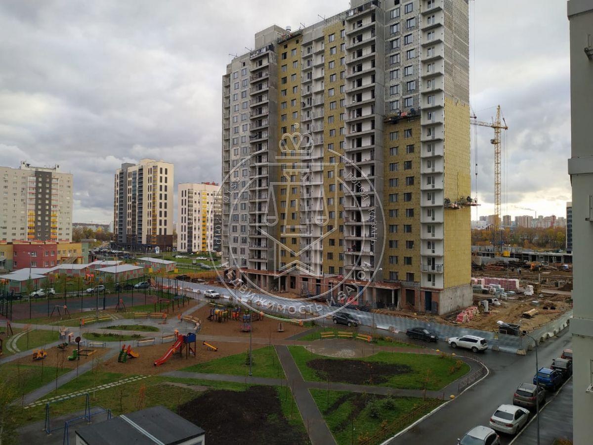 Продажа 3-к квартиры Натана Рахлина ул, 14-3