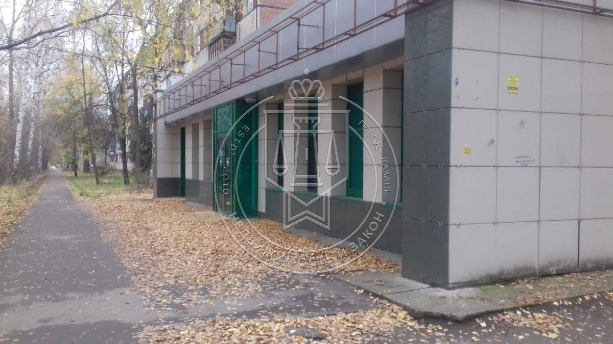 Продажа  помещения свободного назначения Комарова ул, 10