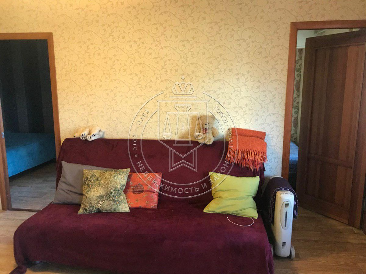 Продажа 2-к квартиры Лейтенанта Шмидта ул, 46
